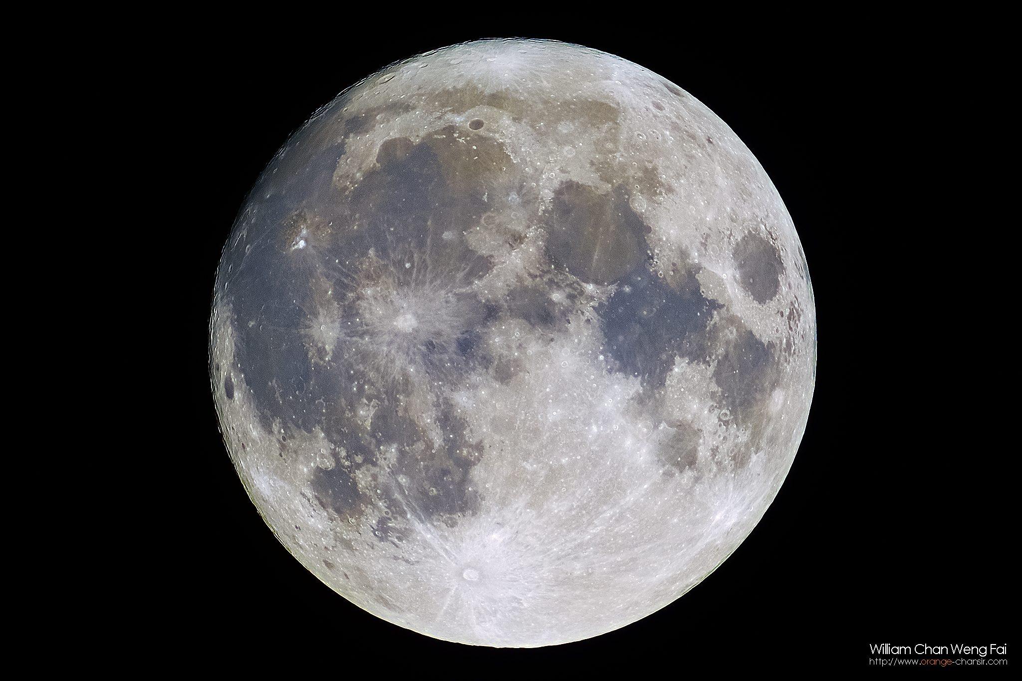 月球礦物地圖